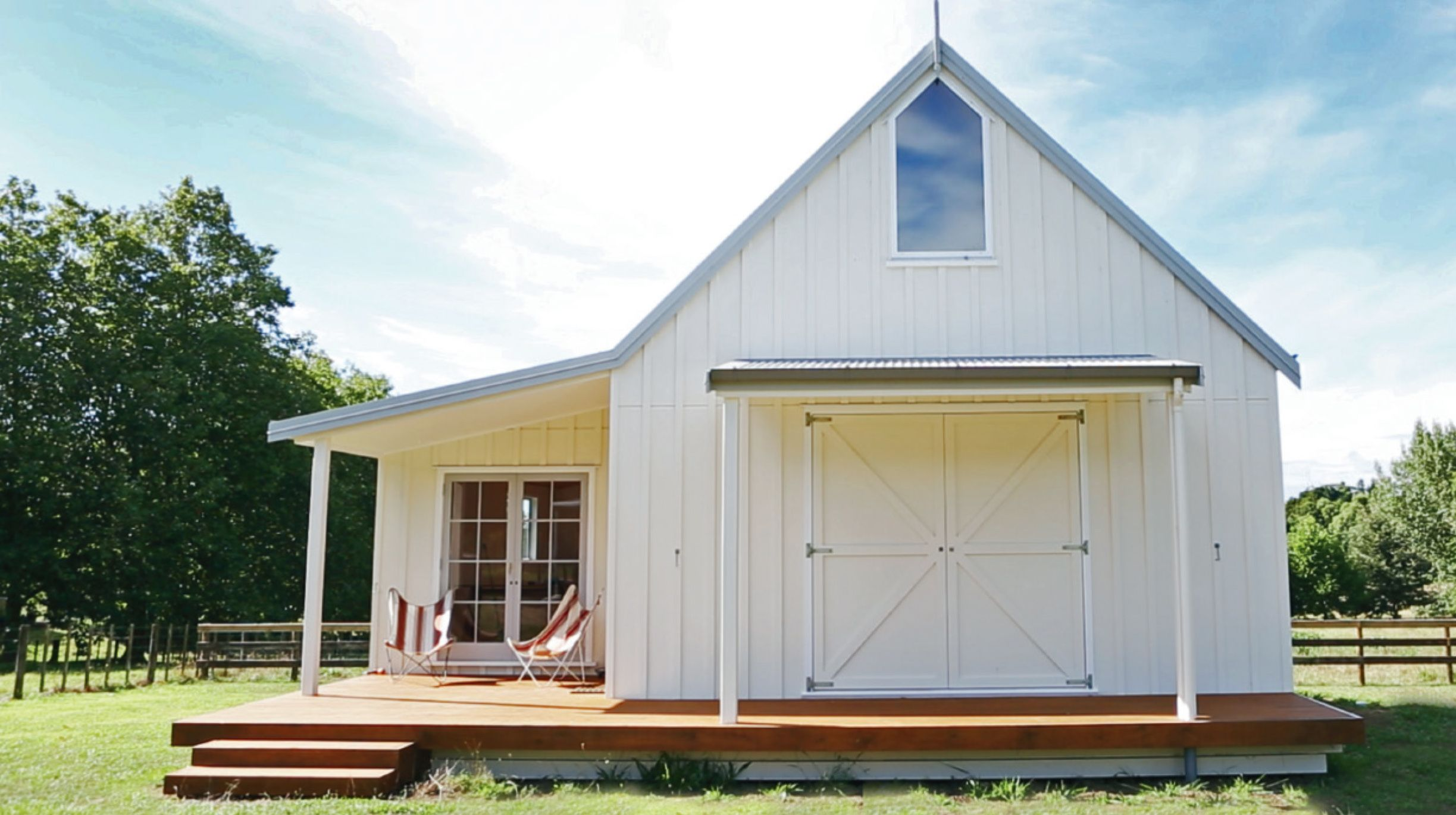 Barns with Weatherboard house, Wooden