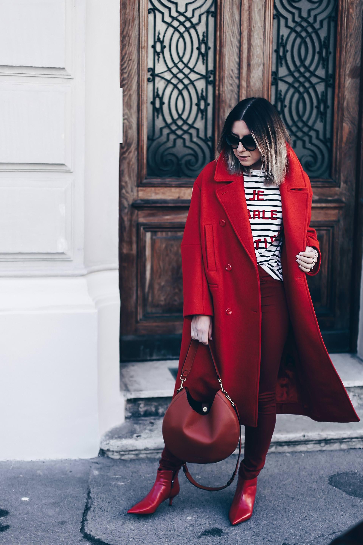 colour blocking wird einfarbig und so kombiniere ich meinen roten mantel who is mocca. Black Bedroom Furniture Sets. Home Design Ideas