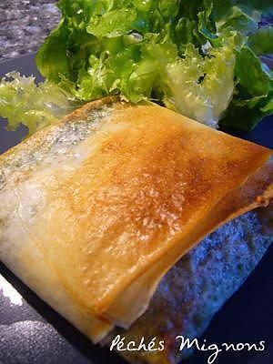 La meilleure recette de Brick aux poivrons et poulet! L'essayer, c'est l'adopter! 3.6/5 (5 votes), 4 Commentaires. Ingrédients: 250 gr d'escalope de poulet, 1/2 de 3 poivrons (1/2rouge,1/2vert,1/2jaune), 1/2 oignon, fromage emmental de marque président croqu'emmental, feuille de brick, huile d'olive, 1 verre d'eau, sel et poivre