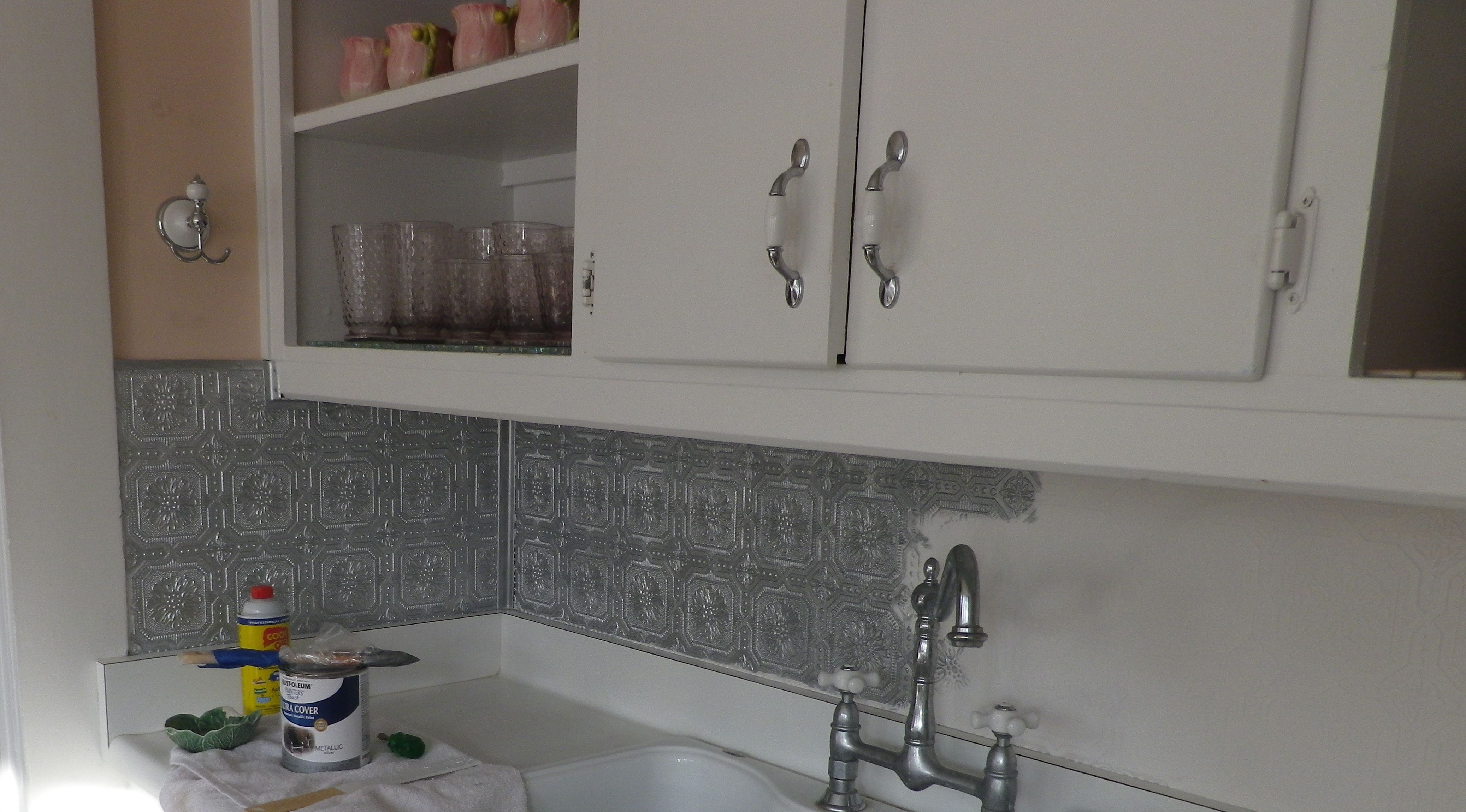 50 Tile Backsplash Over Wallpaper On Wallpapersafari Textured Wallpaper Paintable Textured Wallpaper Tin Tile Backsplash