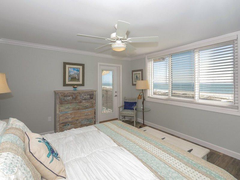 2403 Island Club 2 Bedroom Direct Oceanfront Vacation Rental On