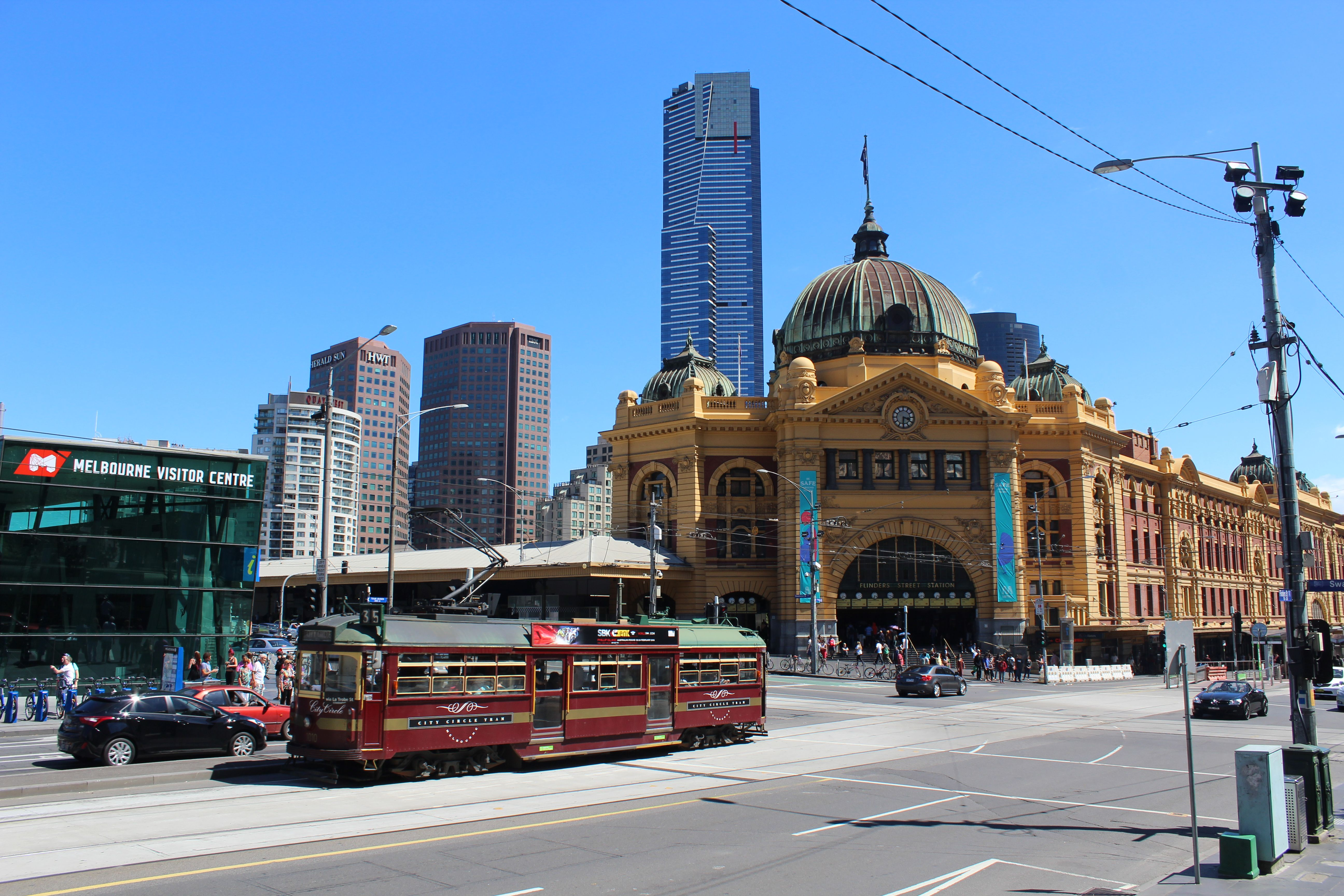 City Circle 1010 in Flinders Street passing Federation Square and Flinders Street Station  - Google Search
