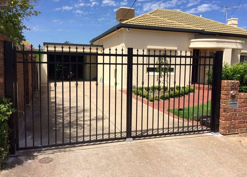 Weldedwiremeshpanel Chainlinkfencepost Swinggate I Really Like This Simple And Generous Fence Do You Li Double Swing Metal Garden Gates Fencing For Sale