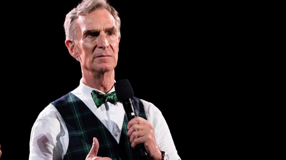 Bill Nye S Minute Long Psa On Mask Wearing Is As Simple As It Is Effective In 2020 Bill Nye Science Guy Bills
