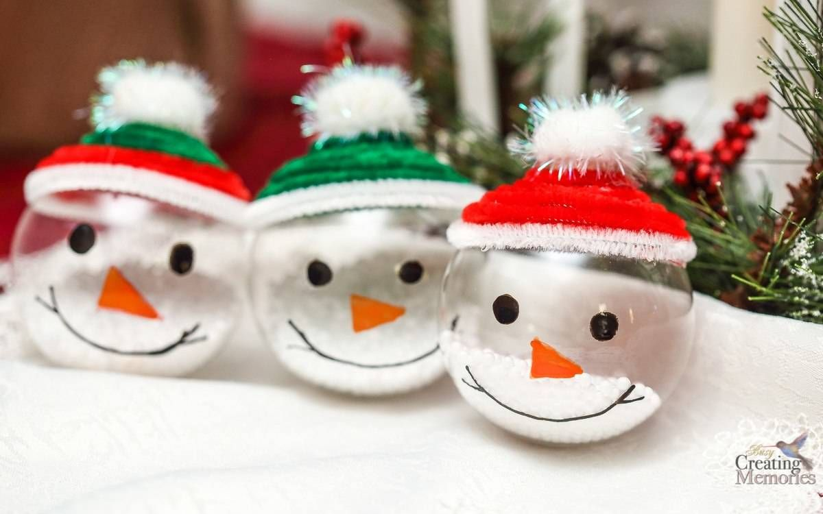 Bring Winter Indoors By Decorating With These Easy Snowman Ornaments About 5 Minutes Diy Christmas Ornaments Easy Kids Christmas Ornaments Ornaments Diy Kids