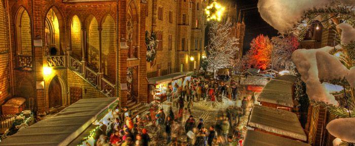 Visit Christmas Market At Hohenzollern Castle And Visit The Castle Itself Stuttgart Germany Royal Christmas Christmas Market Hohenzollern Castle