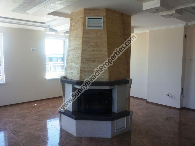 Meerblick Luxus 1 Schlafzimmer / 1.5 Badezimmer Penthouse Wohnung Mit Kamin  Zum Verkauf In