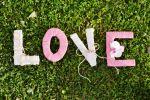 letras con trapillo y carton. love. amor