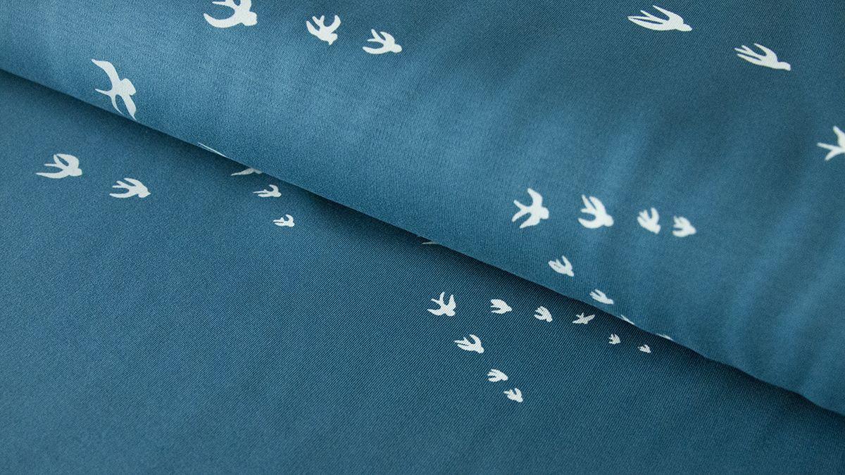 Hohenfluge Bedruckt Mit Dem Symbol Der Freiheit Der Schwalbe Verleiht Dieser Zu 95 Aus Baumwolle Bestehende Jersey Stoffe Kaufen Makerist Stoffe