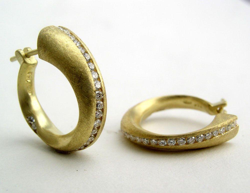 Moebius diamond earrings by Klaus Spies Spies Jewelry Design