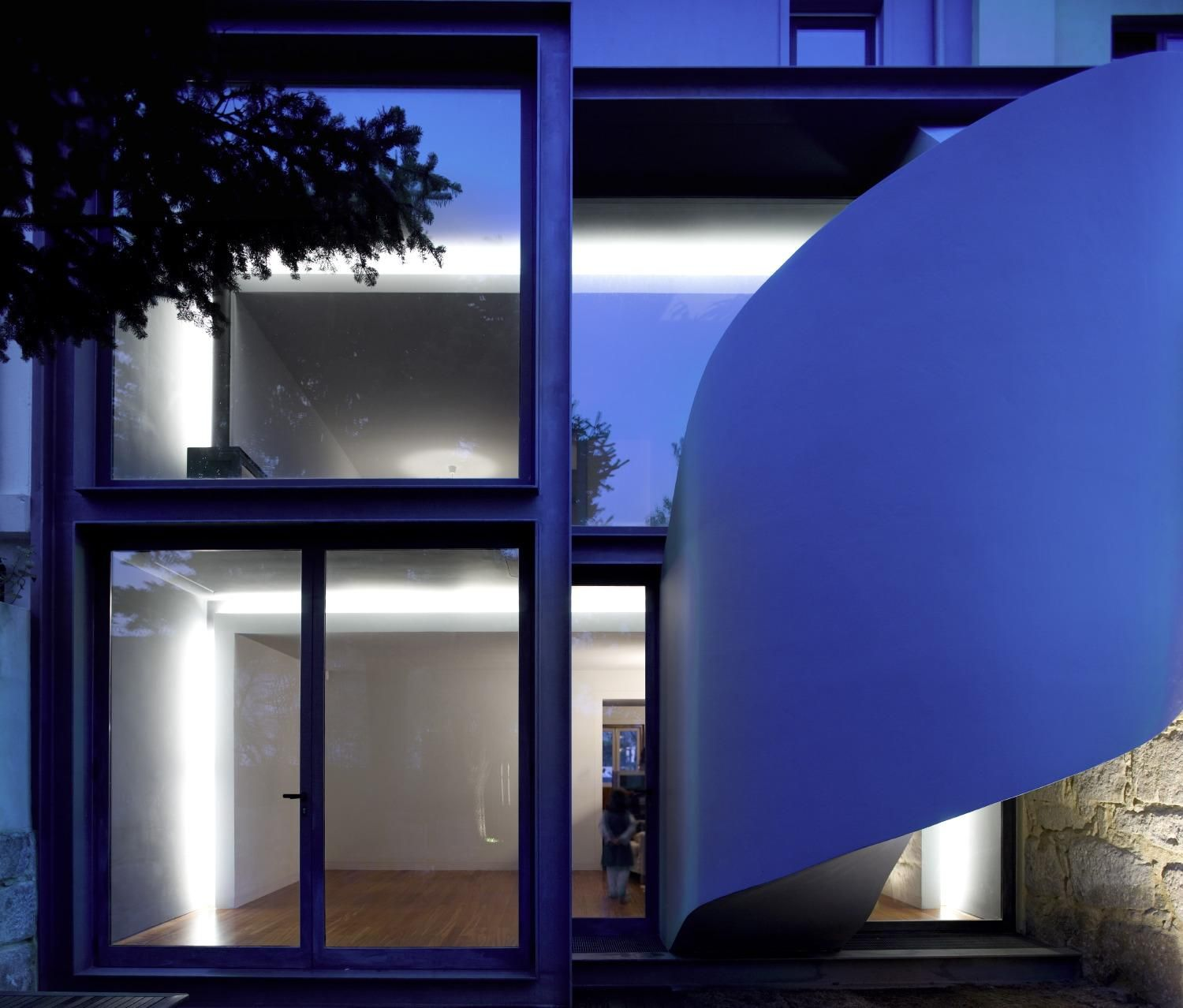 House in Rui Faleiro by pedralíquida arquitectura+engenharia as Architects
