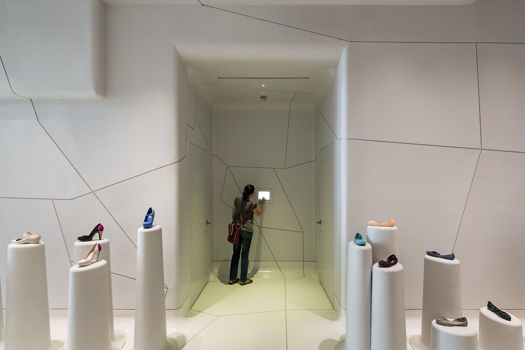 Galeria Melissa (NY, 2012) / Pascali Semerdjian Arquitetos e Edson Matsuo em parceria com MW Arquitetura @marquitetura e Eight Inc. @eightinc