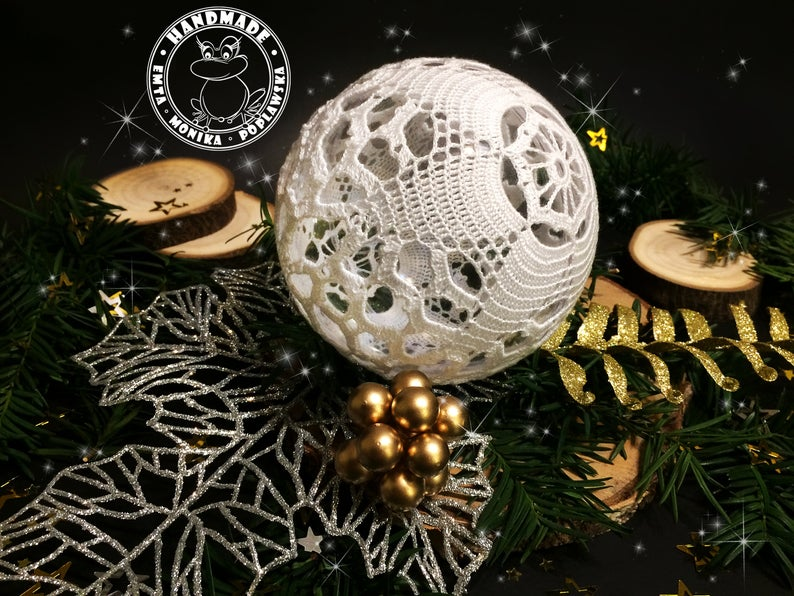 Large Lace Bauble Christmas Tree Decoration White Crochet Ball Etsy In 2020 Christmas Tree Baubles Christmas Tree Decorations Hanging Ornaments