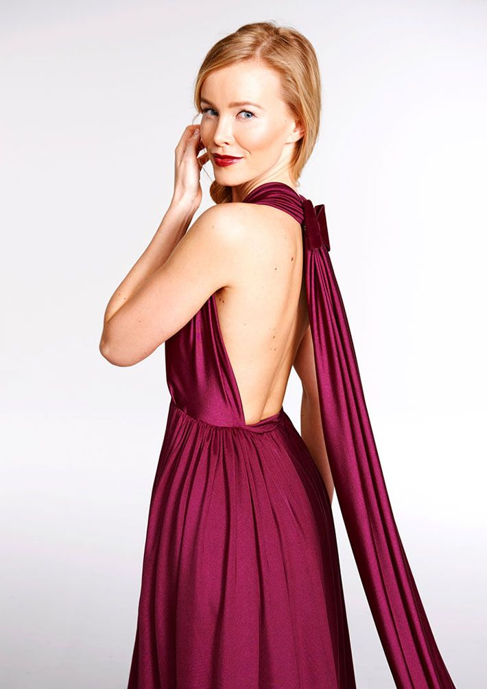 Bordeaux How To Style Bordeaux Red Valons Infinity Kleid