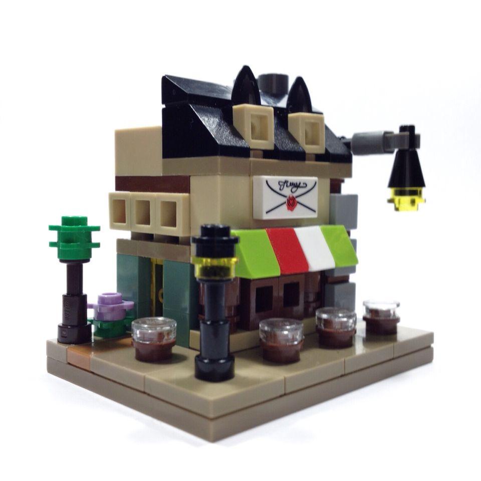 Custom Lego mini modular Italian restaurant build by Victor Garcia