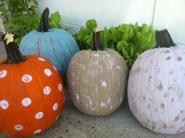 Pumpkins painted in Autentico Vintage Chalk Paint Kredowe - halloween pumpkin painting ideas