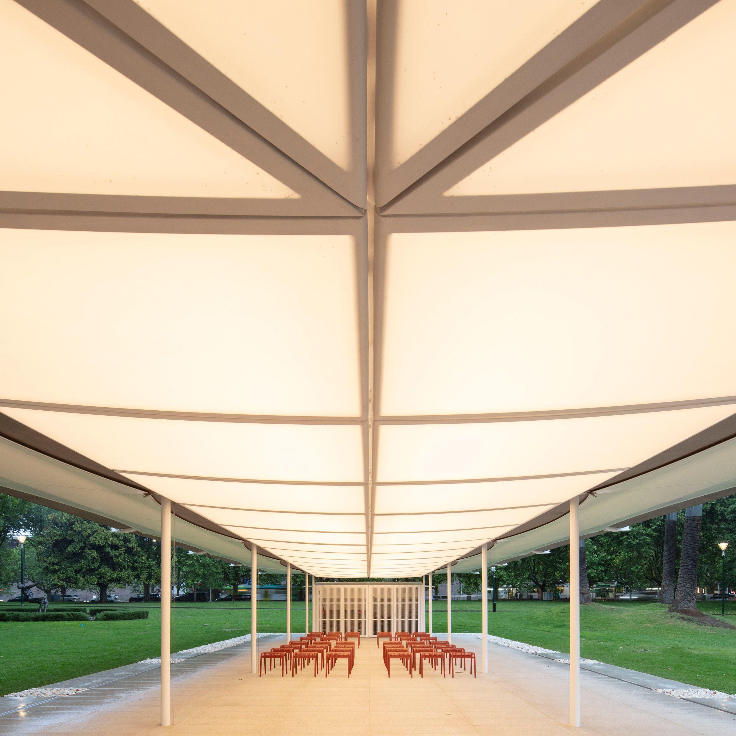 Best Glenn Murcutt Unveils Minimal Mpavilion Topped With Linear 640 x 480