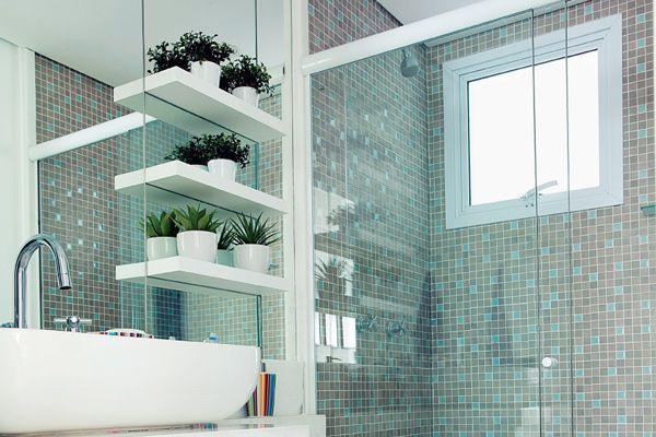 A decoração de banheiro vai mudar a percepção sobre esse ambiente. É possível ter banheiro charmoso e decorado, sim. Confira as inspirações!