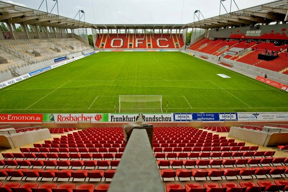 Sparda Bank Hessen Stadion Offenbach Am Main Alemania Capacidad 20 500 Espectadores Equipo Local Kickers Offenbach Estadios Del Mundo Alemania Y Equipo
