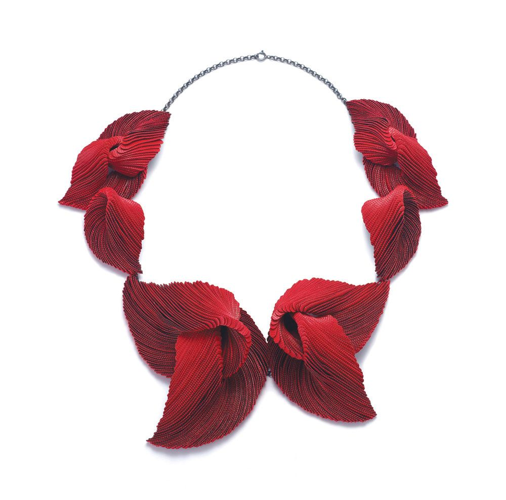 Contemplastic.  ©Yong Joo Kim Necklace: Transitions in Red IV, 2015 thread, sterling silver, Velcro hook and loop fasteners 215×190×40 mm