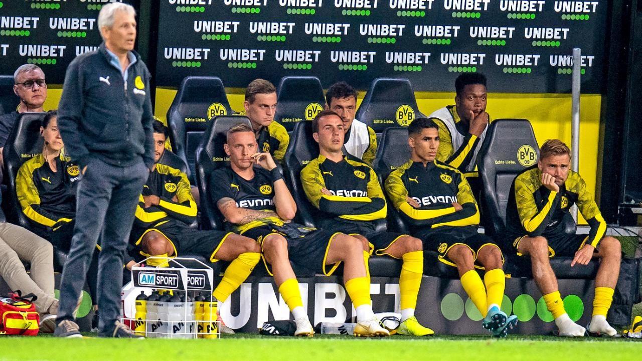 Borussia Dortmund Lucien Favre Hat 160 Mio Auf Der Bvb Bank Bankdrucker Bvb Bundesliga Borussia Dortmund