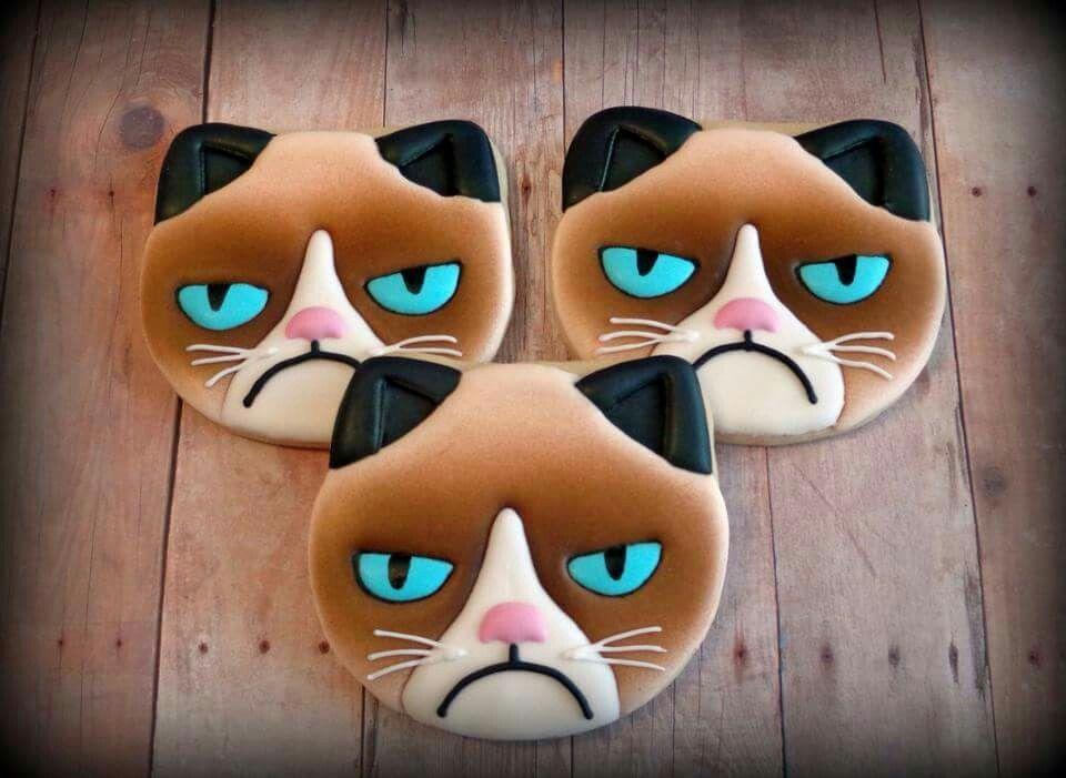 Jackie Williams Broome:  Grumpy Cat cookies.  Awesome!