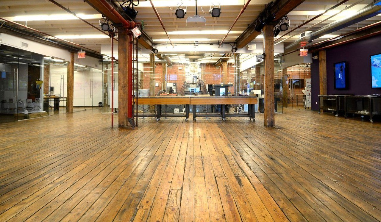 The Quirky Office Skews Cool Interior Design Furniture Cool Stuff Industrial Office