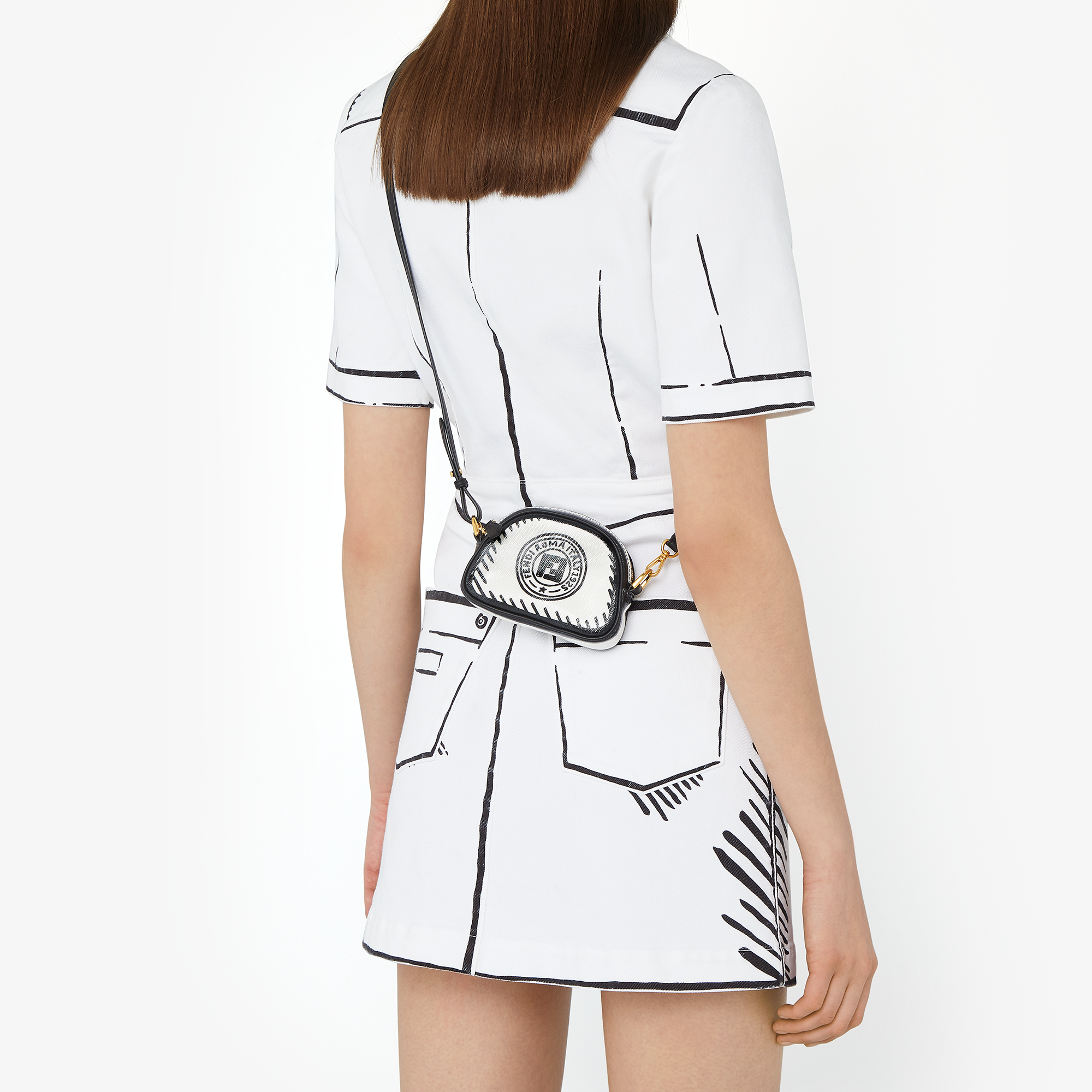 Fendicaliforniasky Fashion Fashion Painting Fashion Brand [ 2000 x 2000 Pixel ]