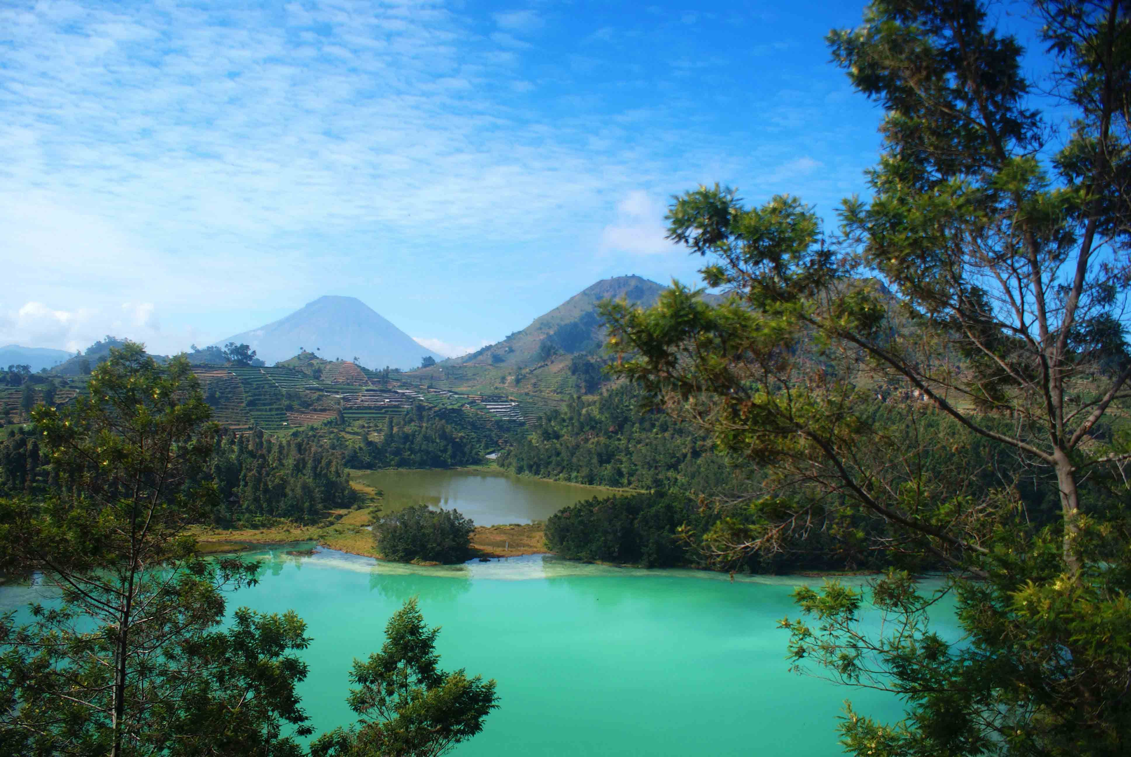 Telaga Warna, Dieng Plateau - Central Java (the water's color can ...