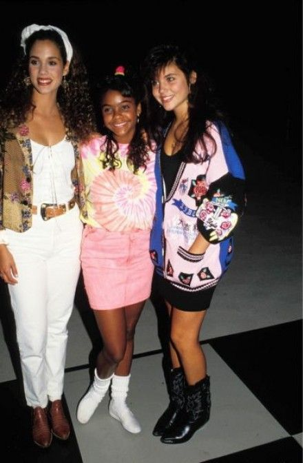 The Ladies Of Saved By The Bell Saved By The Bell 90s Fashion