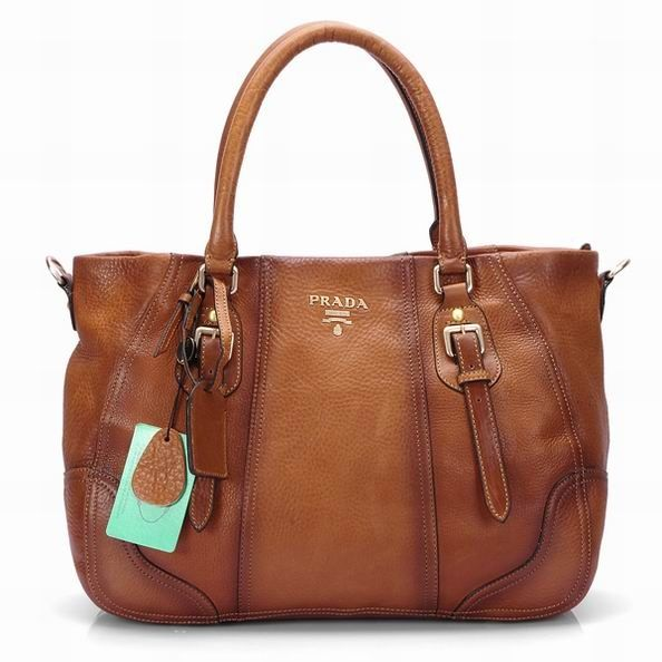95fe1a8d7ca5 Is it too soon to ask Santa for some Prada?   My Style   Bags, Prada  purses, Prada bag