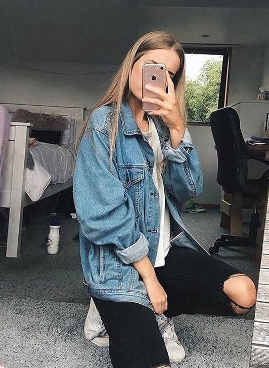 50 Simple Denim Jacket Outfits Ideas To Wear is part of Fashion - Denim jackets have been on the fashion scene for decades, and though they have been constantly changing they have yet […]