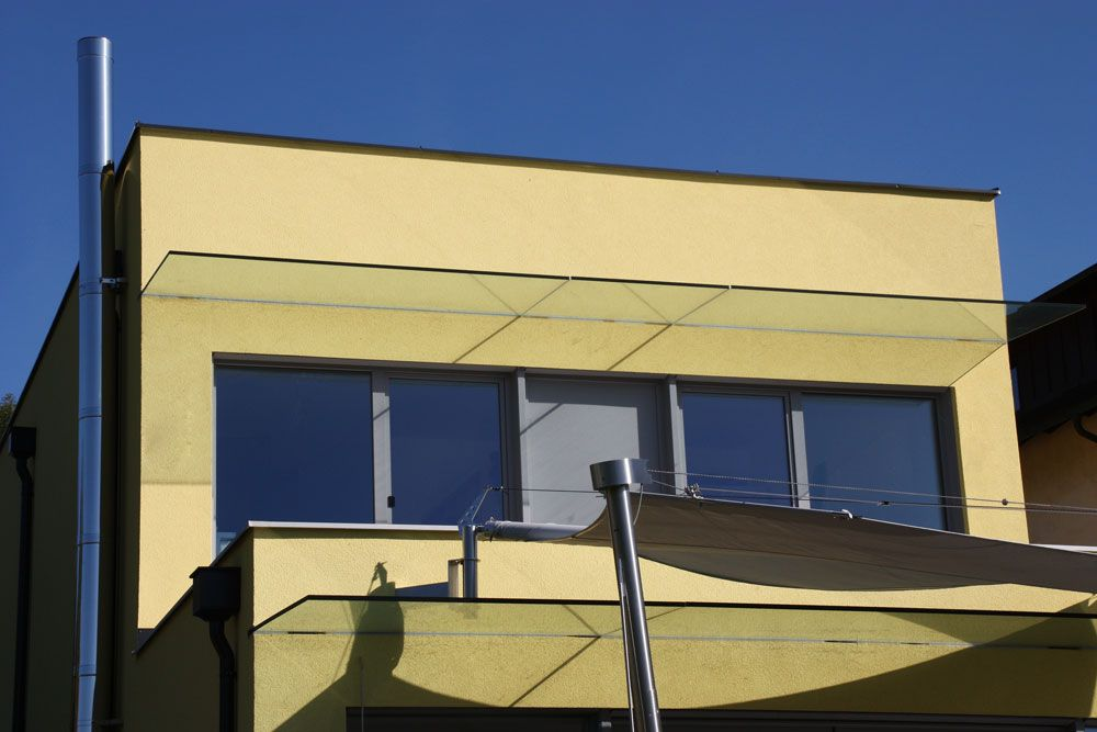 Kleine Glasuberdachungen Schutzen Die Balkon Und Terrasse Vor Regen