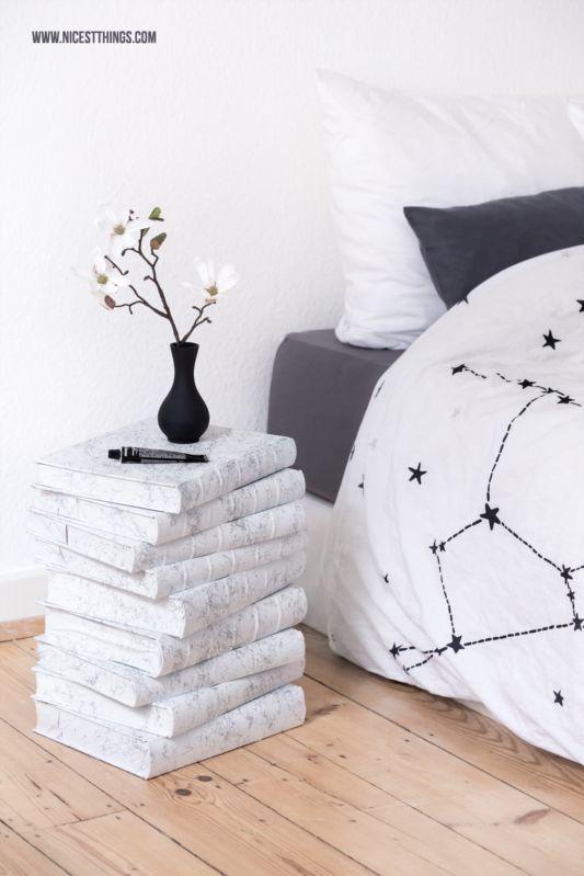 diy selbstgemachter tisch aus alten b chern mit marmoreffekt selbstgemachter tisch alte. Black Bedroom Furniture Sets. Home Design Ideas