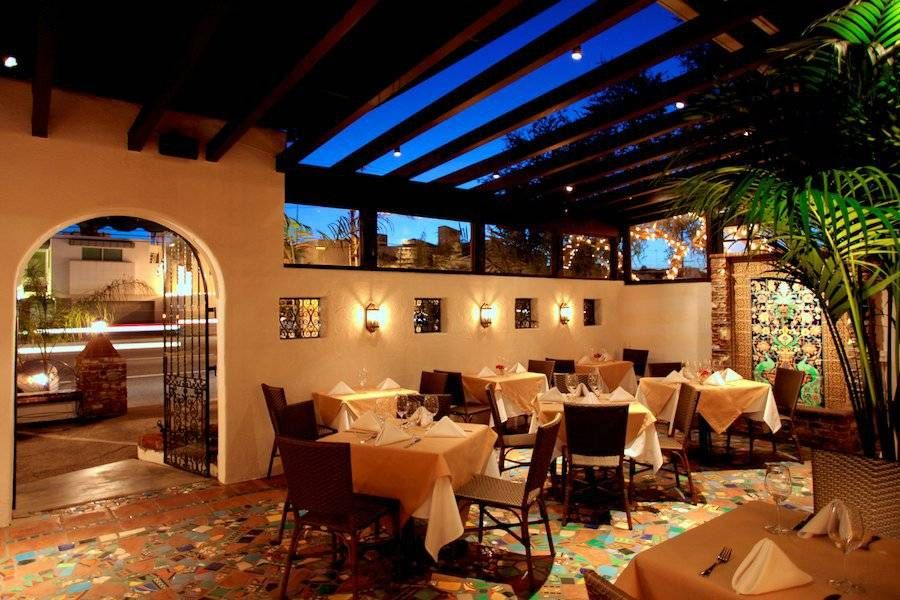 The Top 5 Mexican Restaurants In Los Angeles Mexican Restaurant Outdoor Bar Restaurant