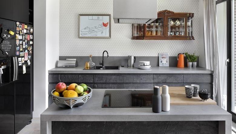 Znalezione Obrazy Dla Zapytania Kuchnia Z Ciemnymi Meblami I Mozaika Na Scianie Kitchen Design Modern Kitchen Best Kitchen Designs