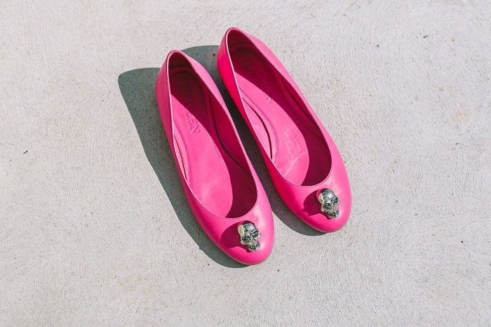 Hot pink bridal shoes | #weddingshoes #bridalshoes