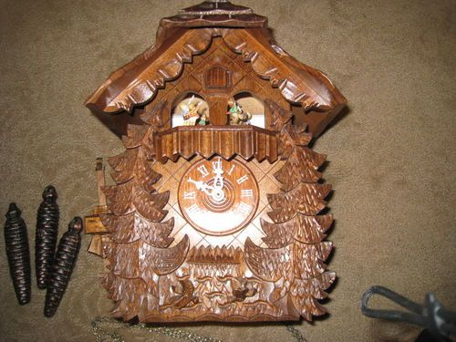 low priced a5f88 2c802 Vintage Black Forest Hummel Figures Cuckoo Clock VERY SHARP ...