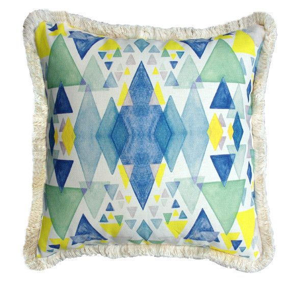 Geometric pyramid cushion