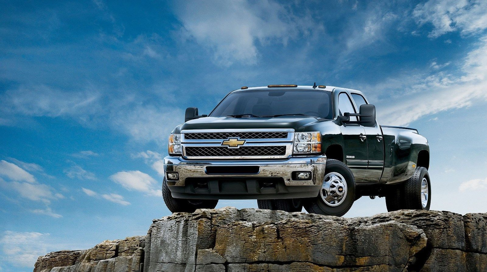 2020 Chevy Silverado 1500 Review, Pricing, and Specs