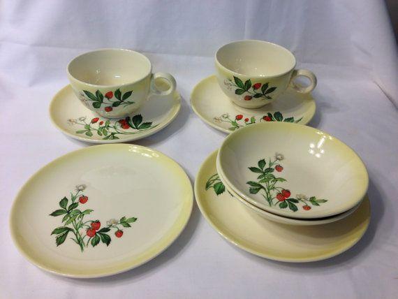 Taylor Smith Taylor Strawberry Pattern Dinnerware - 8 pieces & Taylor Smith Taylor Strawberry Pattern Dinnerware - 8 pieces ...