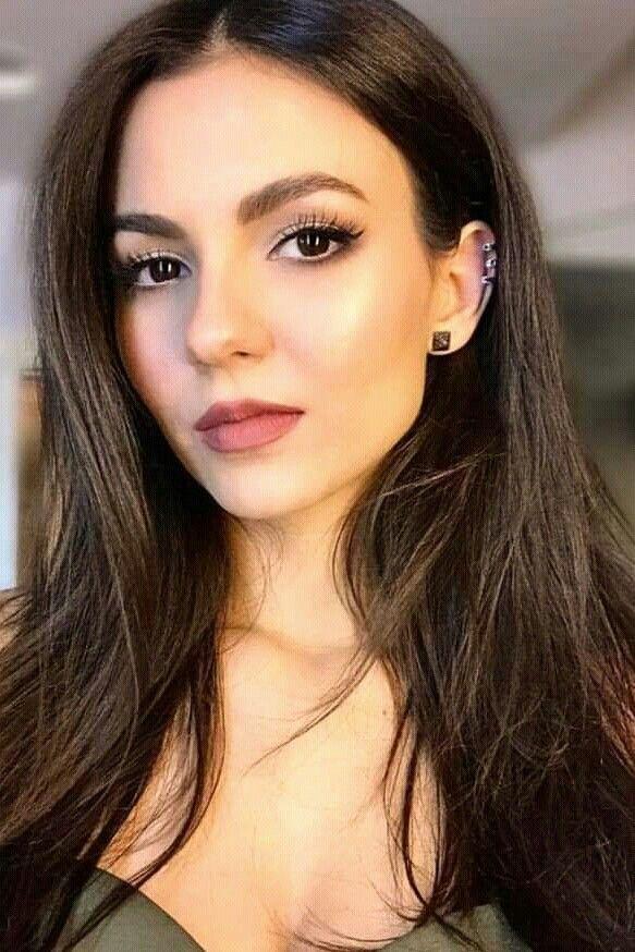 Victoria Justice   Ragazze con occhi marroni, Belle donne ...