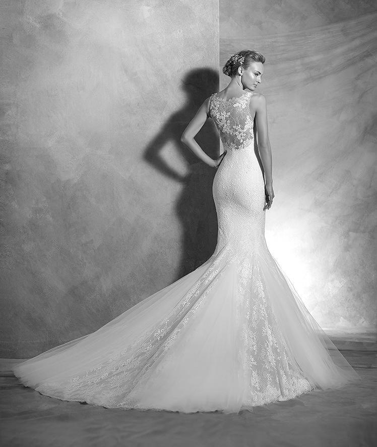 ATELIER PRONOVIAS 2016 Modelo \'Vegas\'. Vestido de novia de encaje y ...