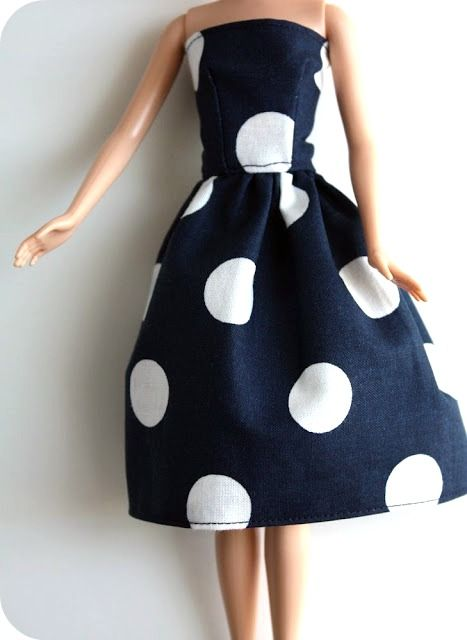 Here's the know-how in order to make your own doll clothes. :) Yay homemade gifts! #barbie