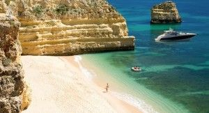 Visit the Algarve on a low budget