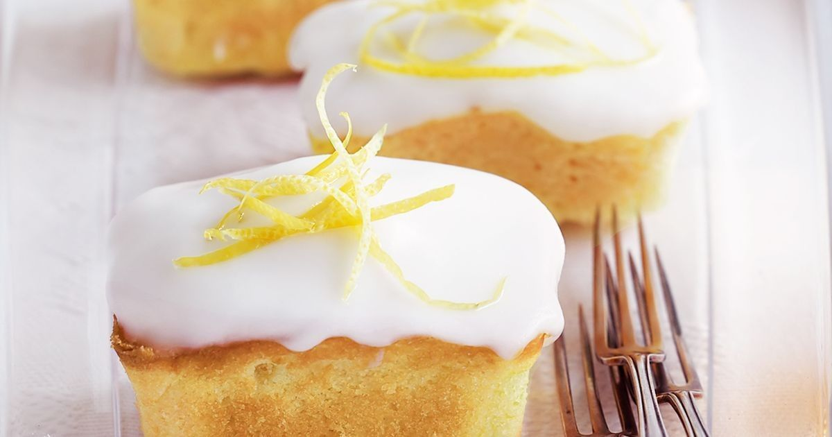 Lemon Sour Cream Cakes Samantha Wong Cakes Cream Lemon Samantha Sour W Anton French 431 In 2020 Sour Cream Cake Sour Cream Lemon Sour Cream Cake