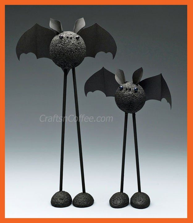 Cute Halloween craft for kids! Bat craft tutorial on CraftsnCoffee - how to make homemade halloween decorations for kids