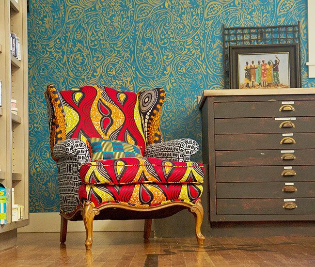 Stenciled Studio Wall | Wallovers Paisley Stencil And Modern Masters Gold  Rush Metallic Paint | Project
