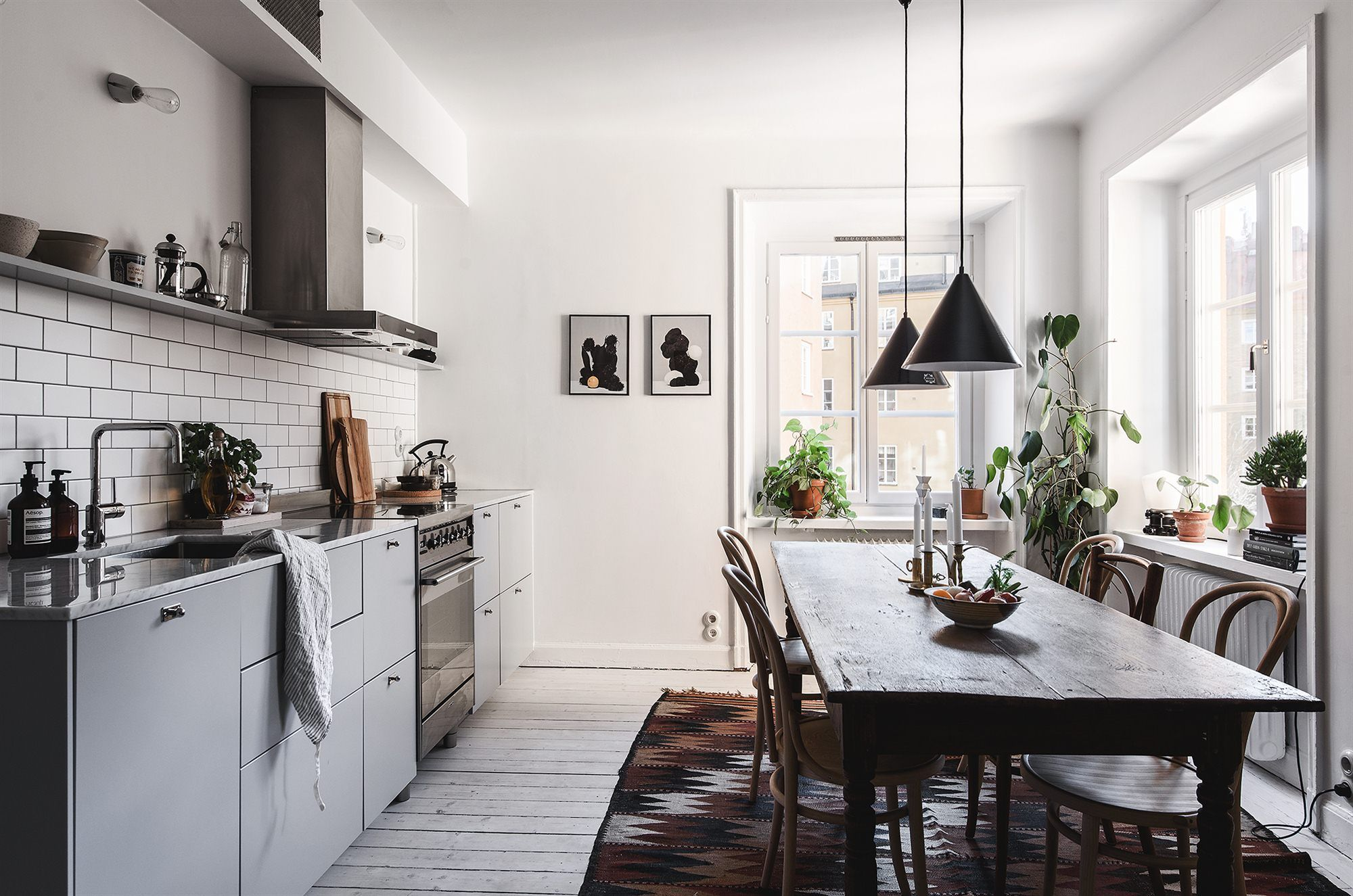 Simplicity and raw concrete floor BLOG Pinterest
