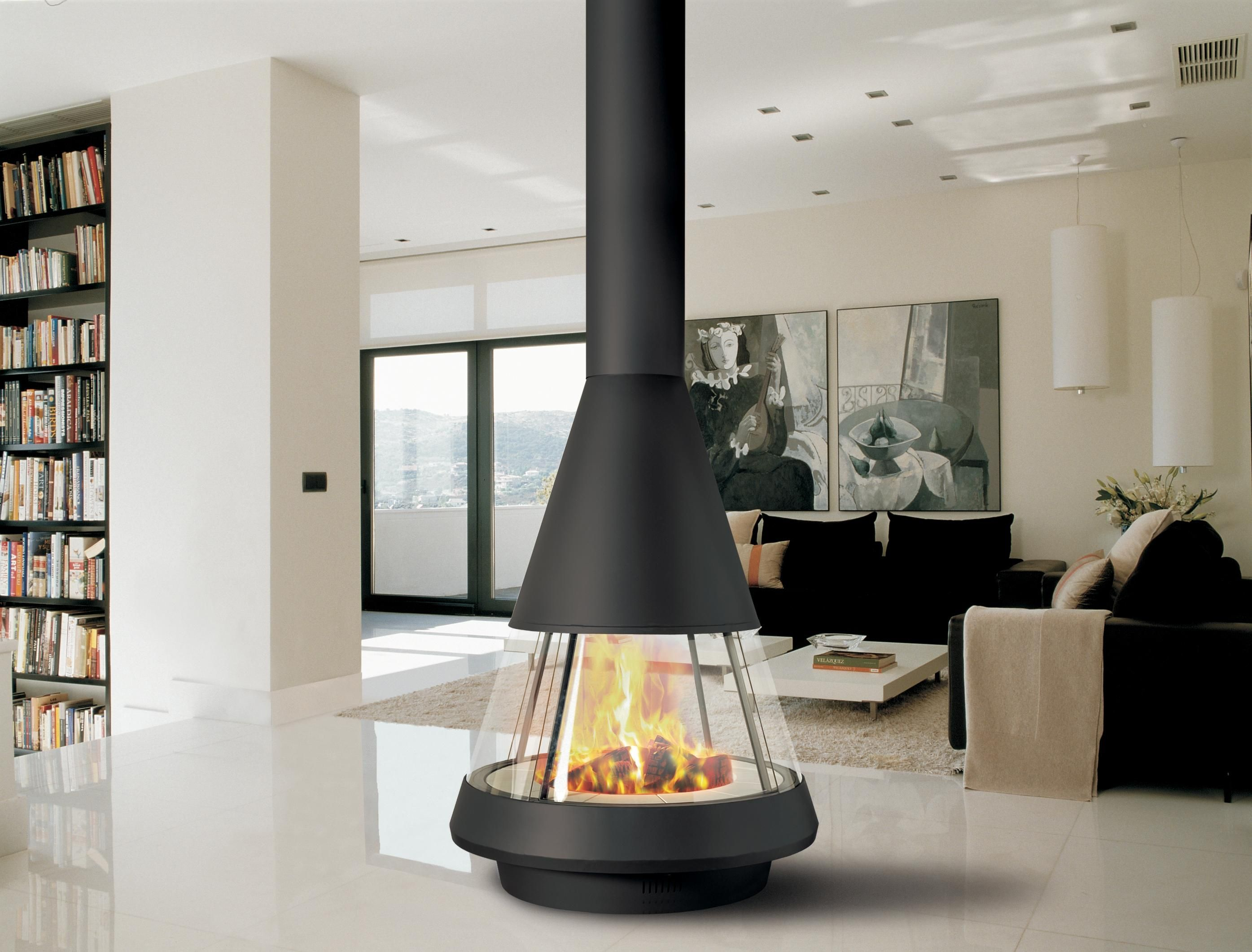 Central fireplace by Hergom with a 360 view of the fire